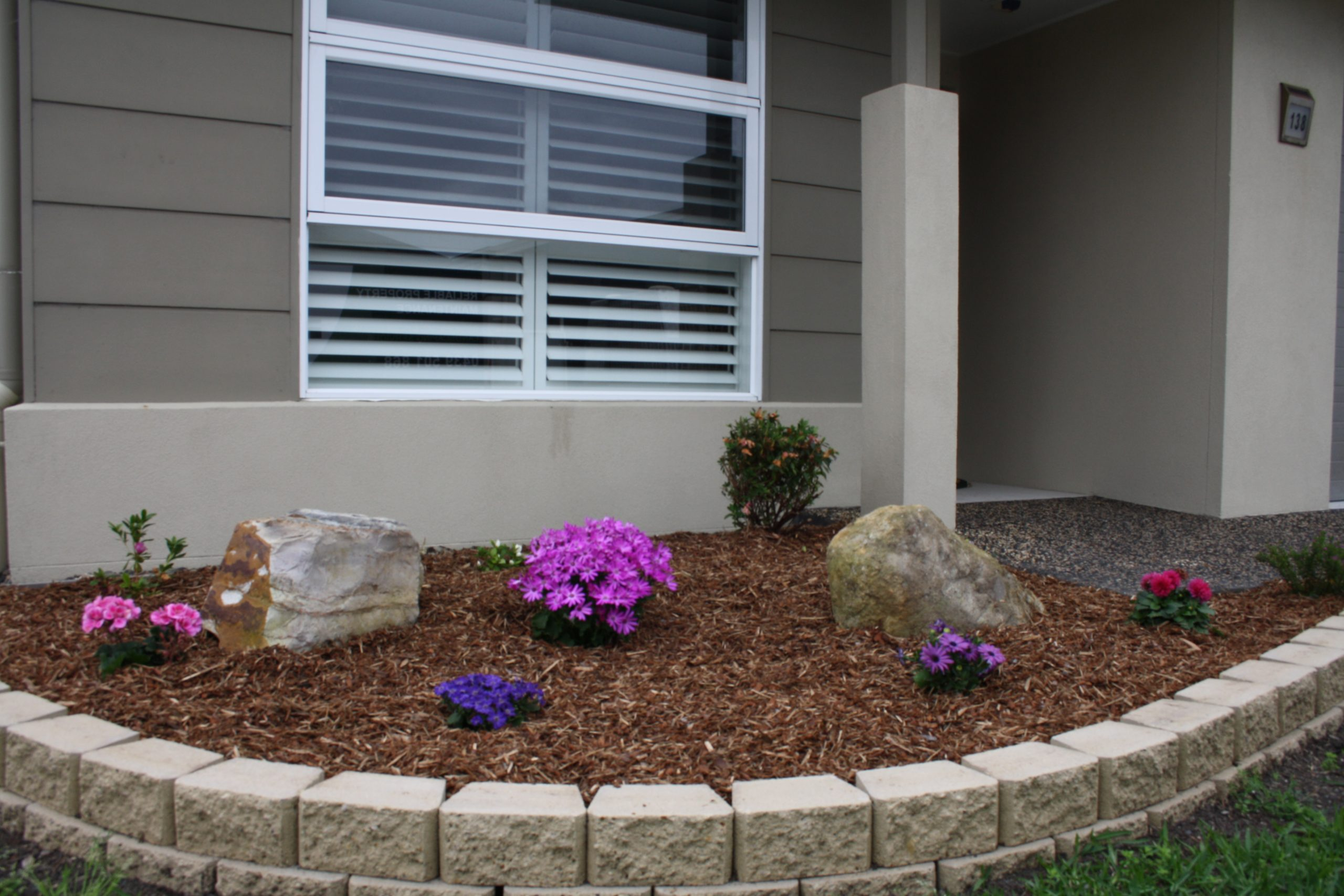 Sandstone Garden Edge with Small Flowers